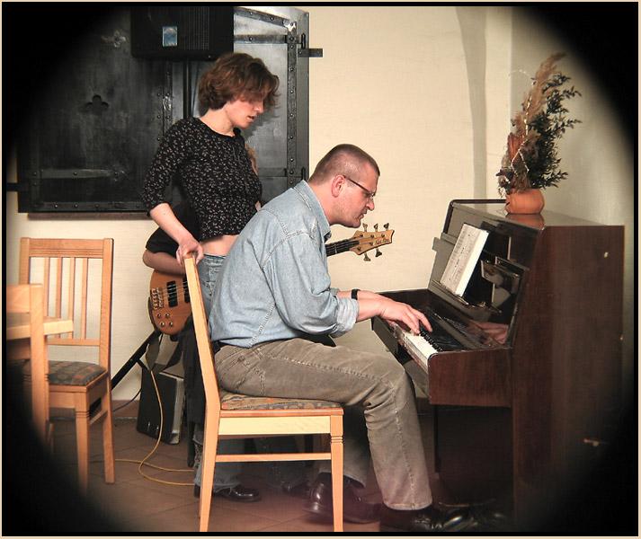 Lutz am Klavier