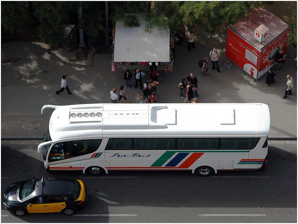 ... Lux Bus ...
