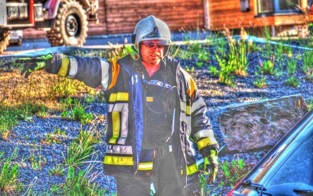 Luxemburgischer Feuerwehrmann im Einsatz (HDR)