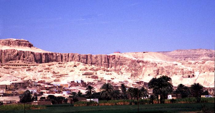"""Luxor Blick auf das """"Tal der Könige"""""""