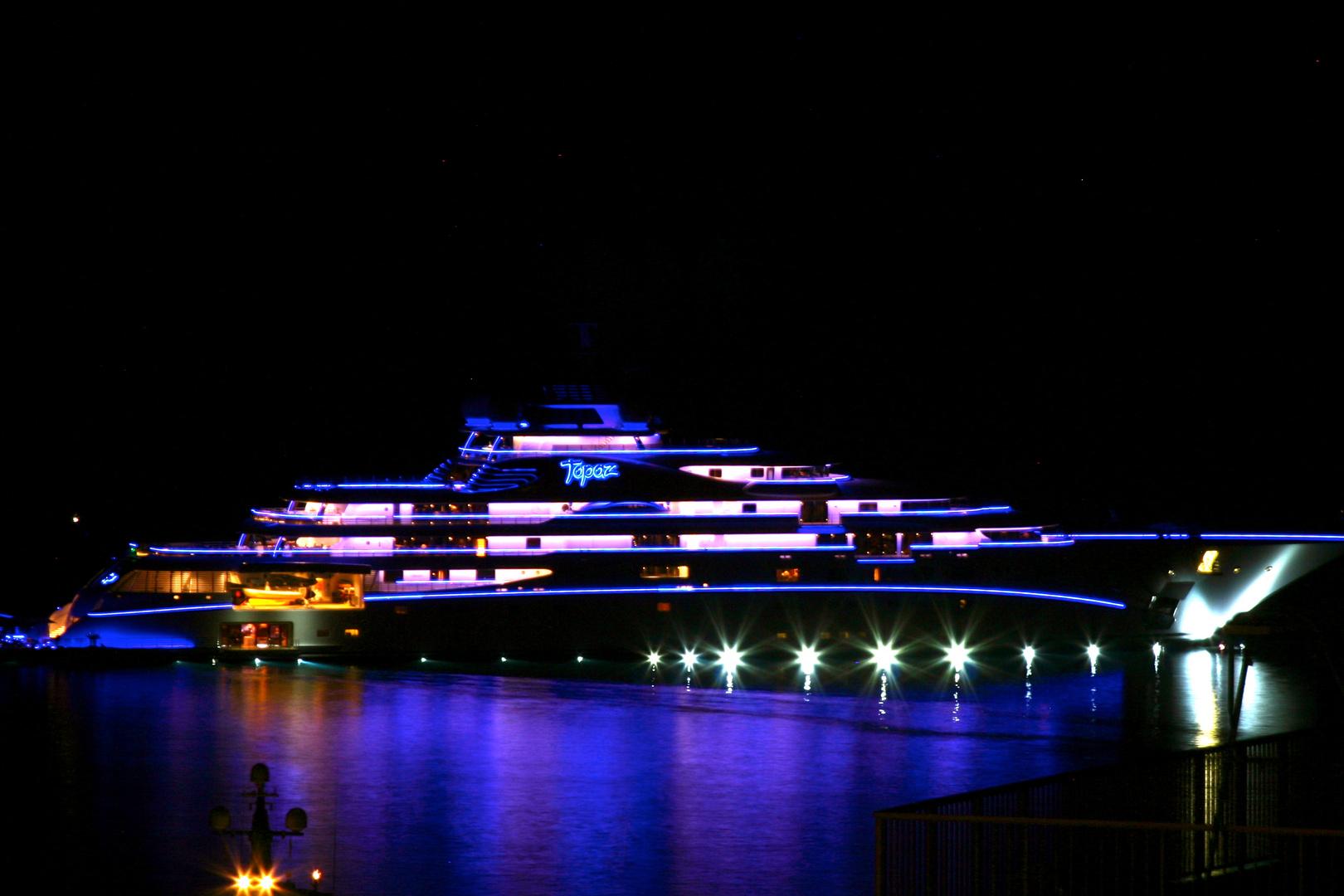 """Luxury Yacht """"Topaz"""" by night"""