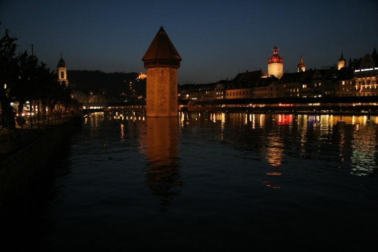 Luzern mit Jesuitenkirche, Wasserturm, Kapelbrücke, Museggtürmen