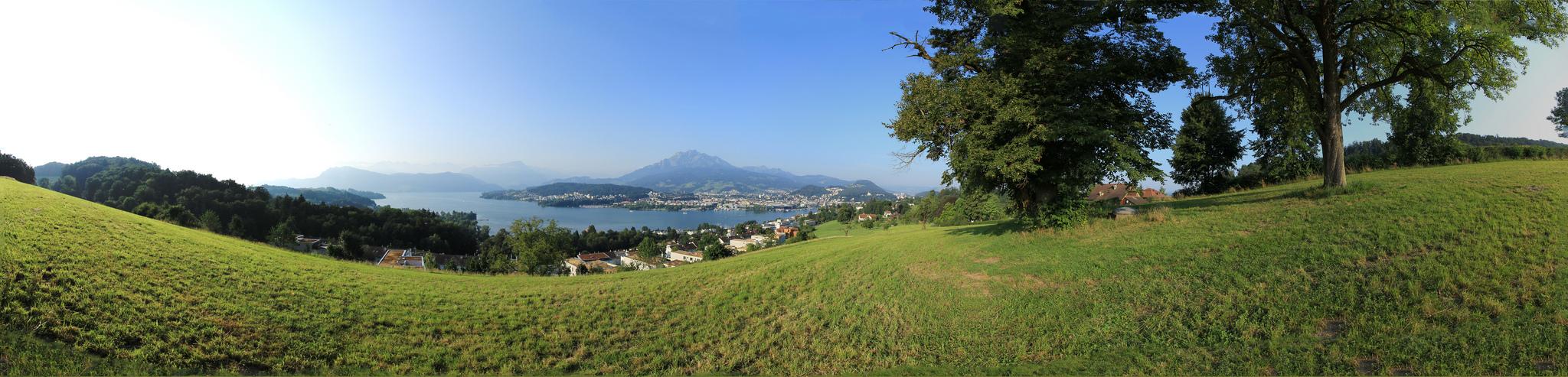 Luzerner Seebecken mit Luzern und Pilatus