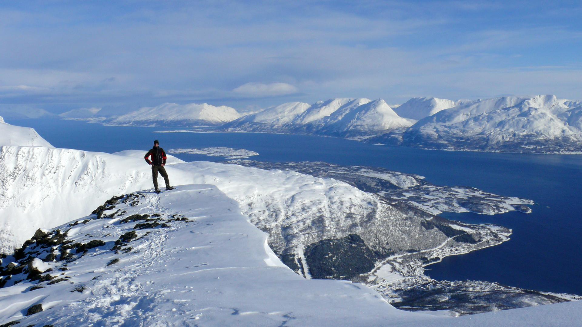 Lyngen alps Blick auf den Lyngenfjord vom Kavringstinden