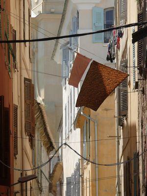 Lyrische Wäsche, Bastia - Korsika