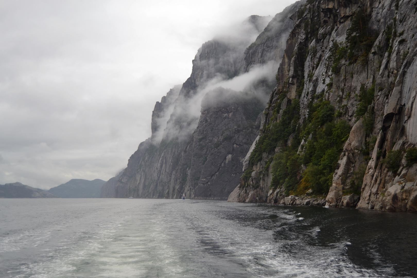 ...Lysefjord...im Regen