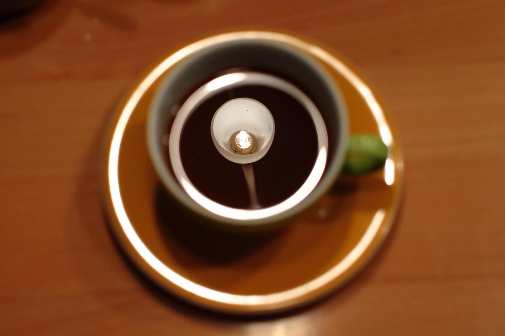 (m) ein Kaffee