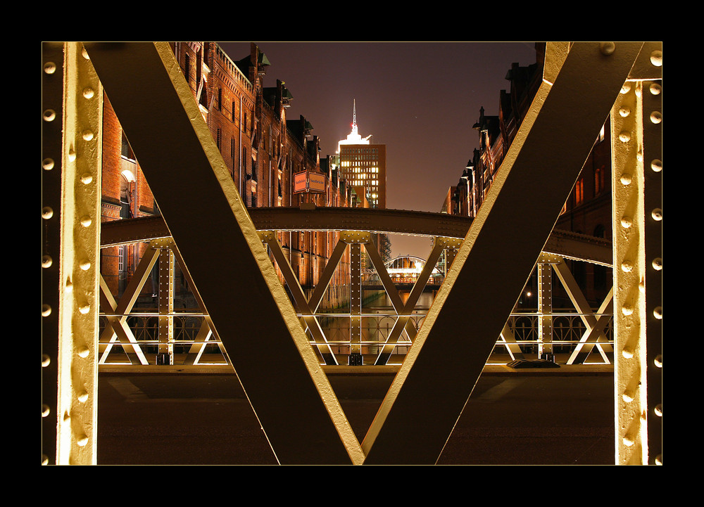M, V & X in der Speicherstadt
