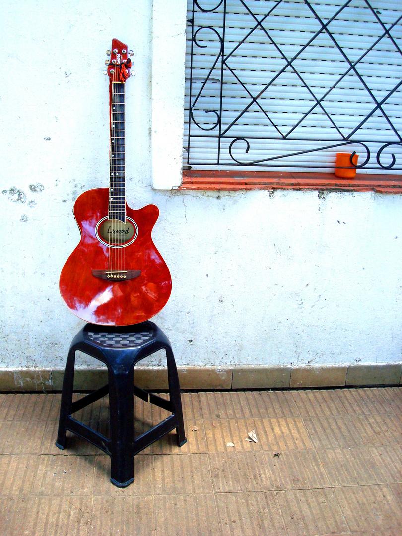Ma guitare voyage.