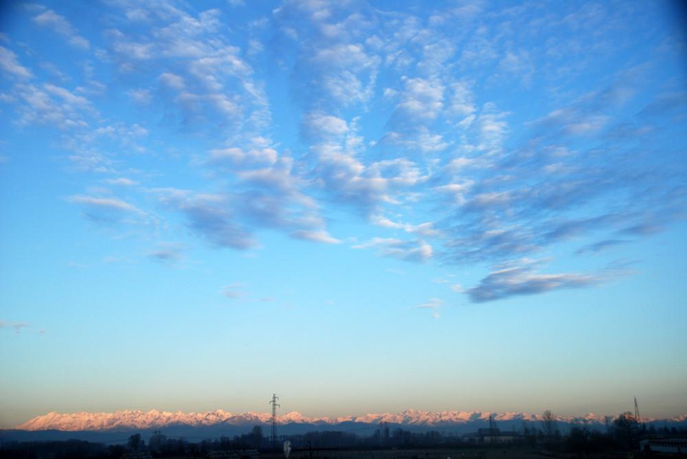 ma il cielo è sempre piu blu........