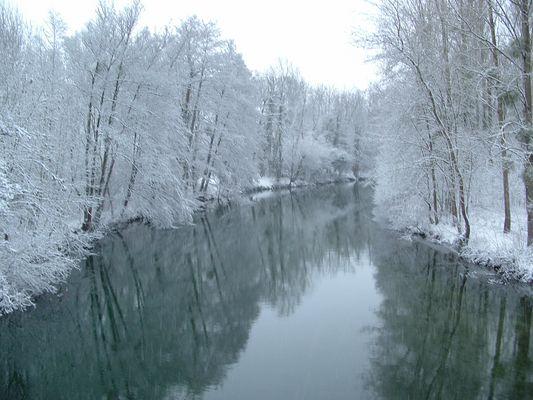ma riviere au couleur du ciel d hivers