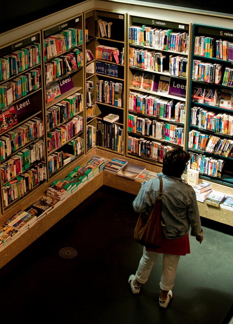 Maastricht : Dominikaner - Kirche...eine Bücherei..2