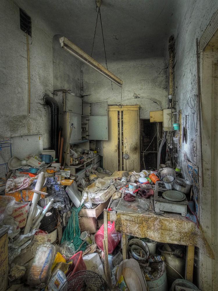 Mach doch mal bitte jemand die Küche sauber!