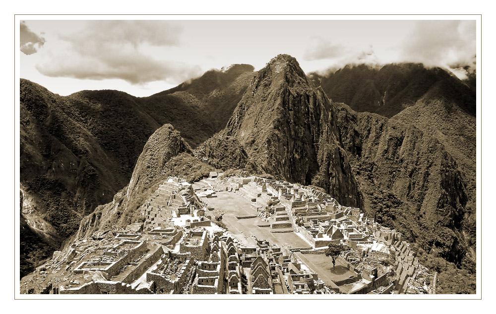 Machu Picchu en blanco y negro