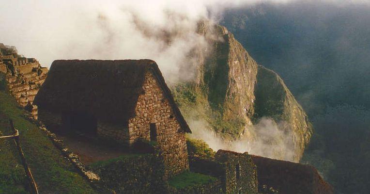 Machu Picchu im Nebel
