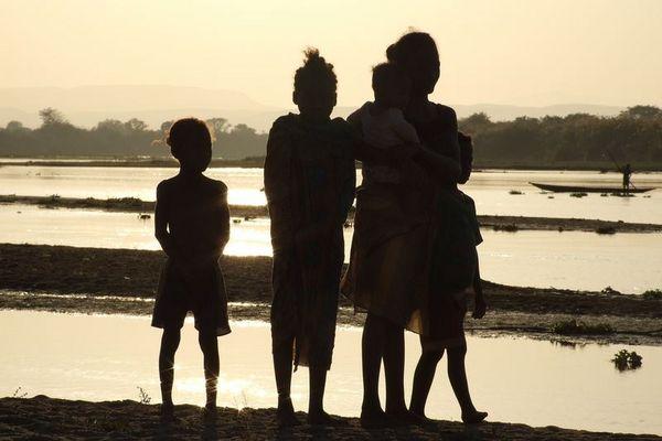 Madagaskar 2006, Fluss Tsiribinhvna