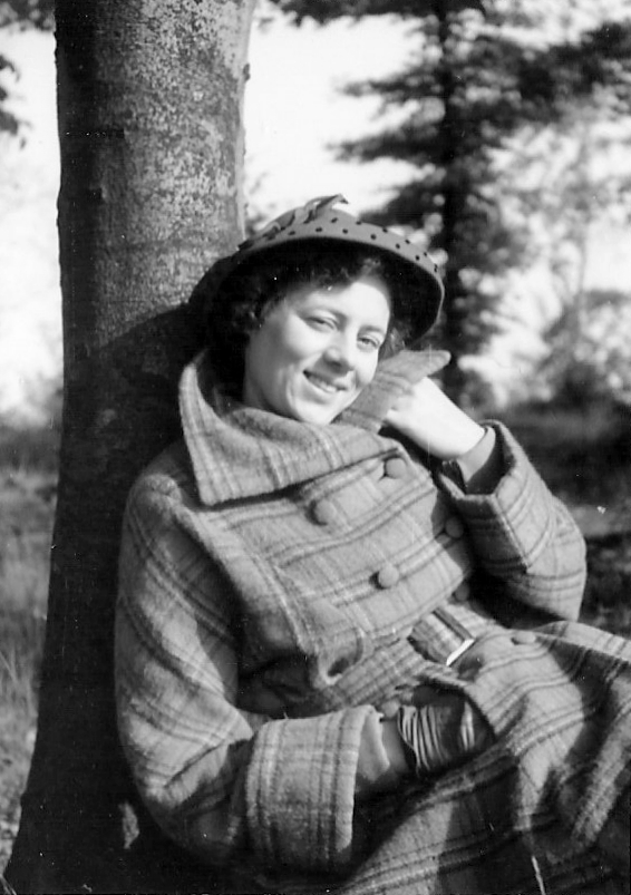 maDame 1947