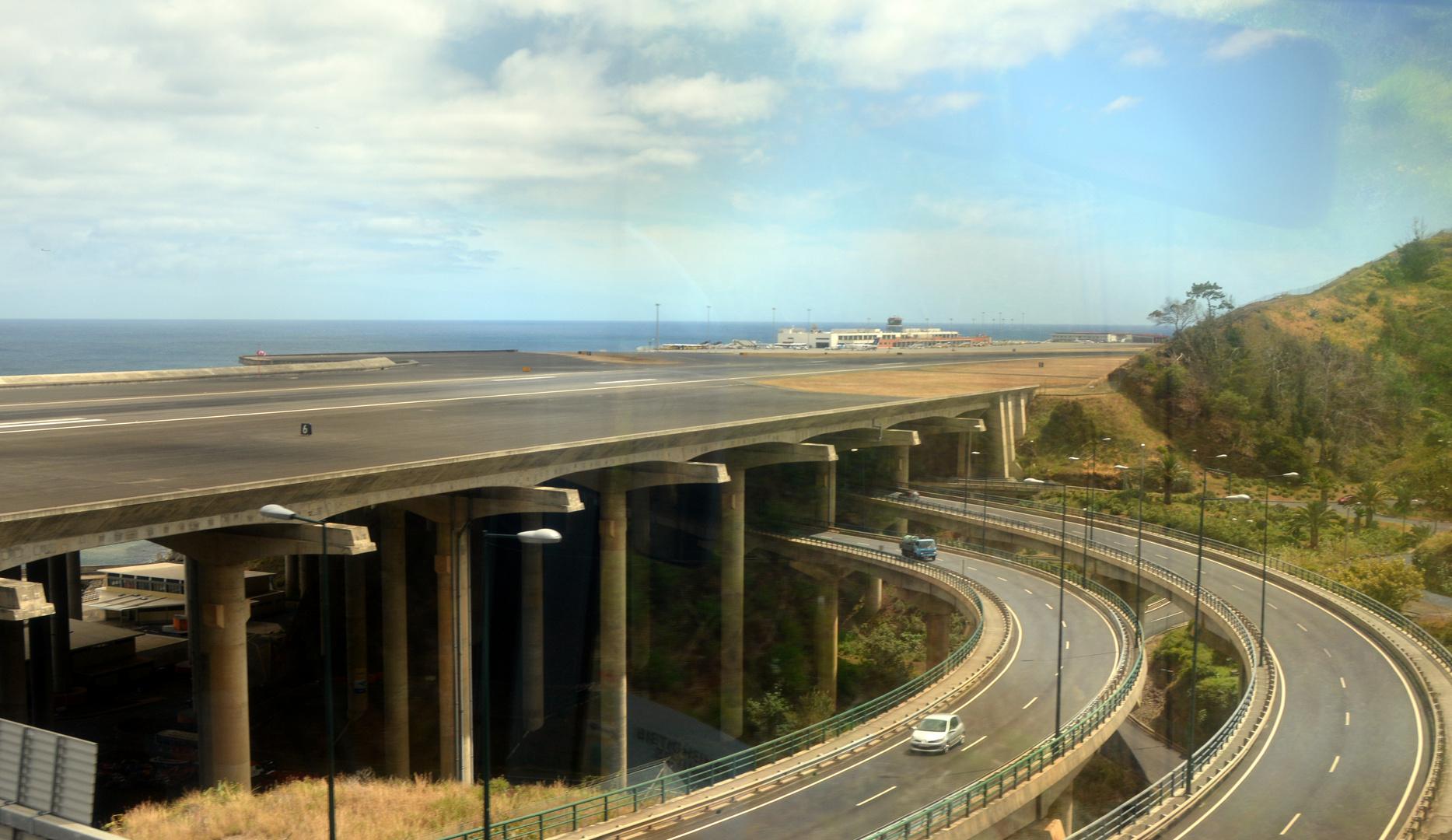 Madeira-50 Die Landebahn auf Madeira