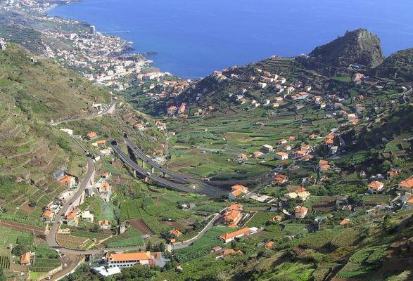 Madeiras Autobahn von Oben