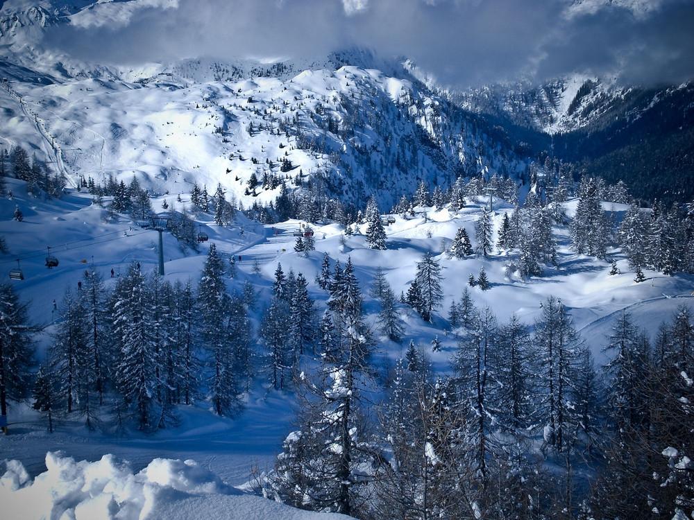 Madonna di campiglio paesaggio invernale foto immagini for Paesaggi invernali per desktop