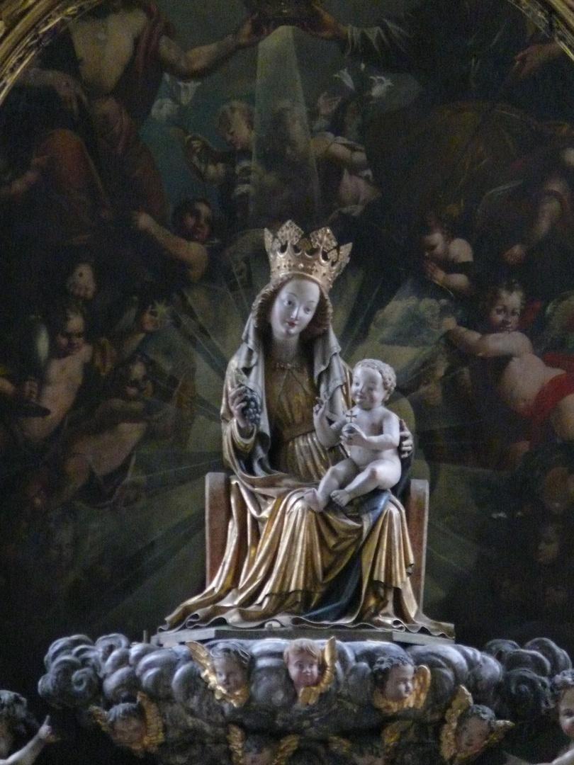 madonnenskulptur in der Kath. Pfarrkirche St.Marien in Wasserburg am Inn