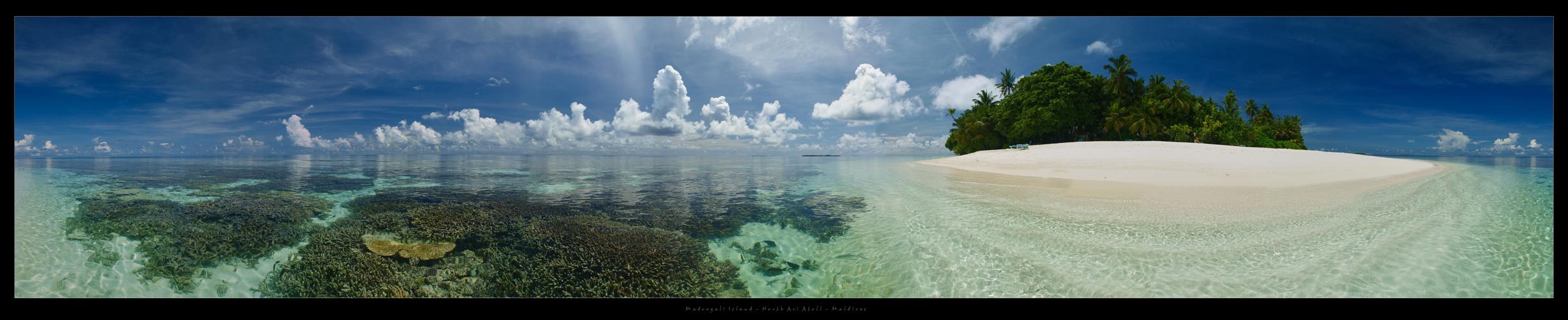 Madoogali Island Pano - North Ari (Alifu) Atoll - Maldives 2012