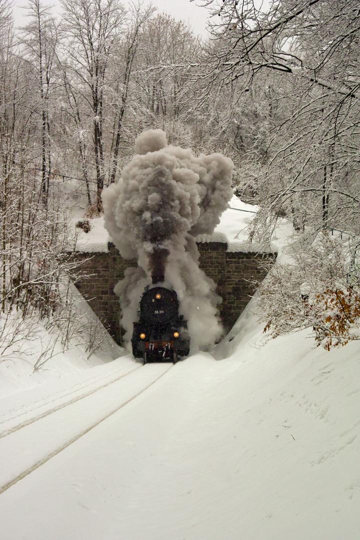 Mächtig viel Dampf am Mehliser Tunnel
