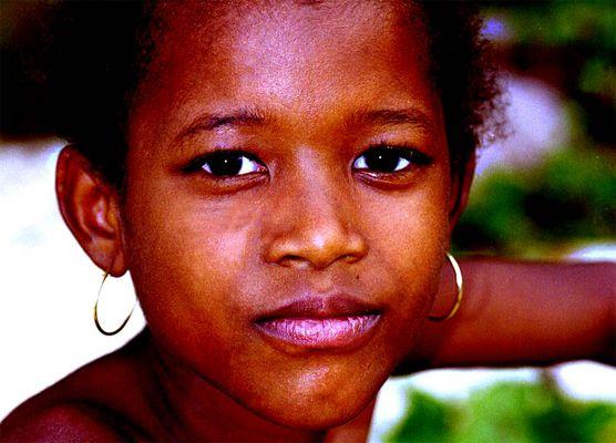Mädchen auf La Digue/Seychellen