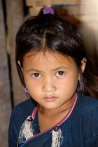 Mädchen in einem Lanten-Dorf im Norden von Laos