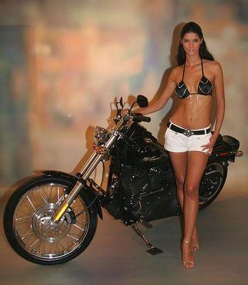 """""""Mädchen und Motorrad"""""""