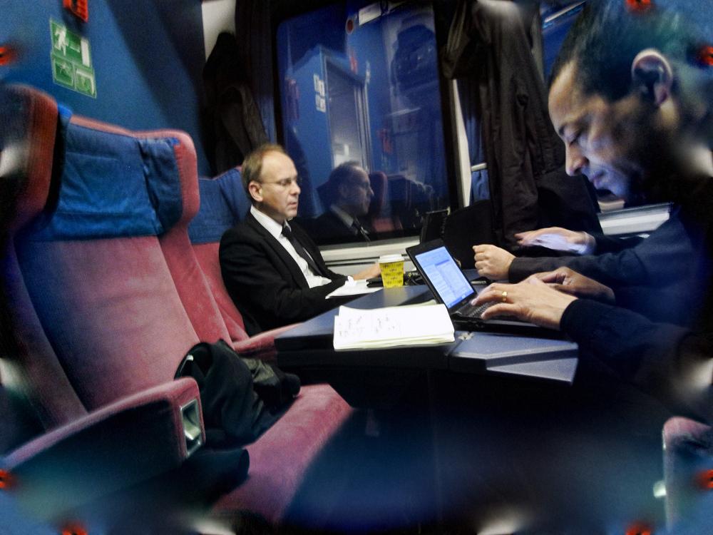 Männer in Zügen