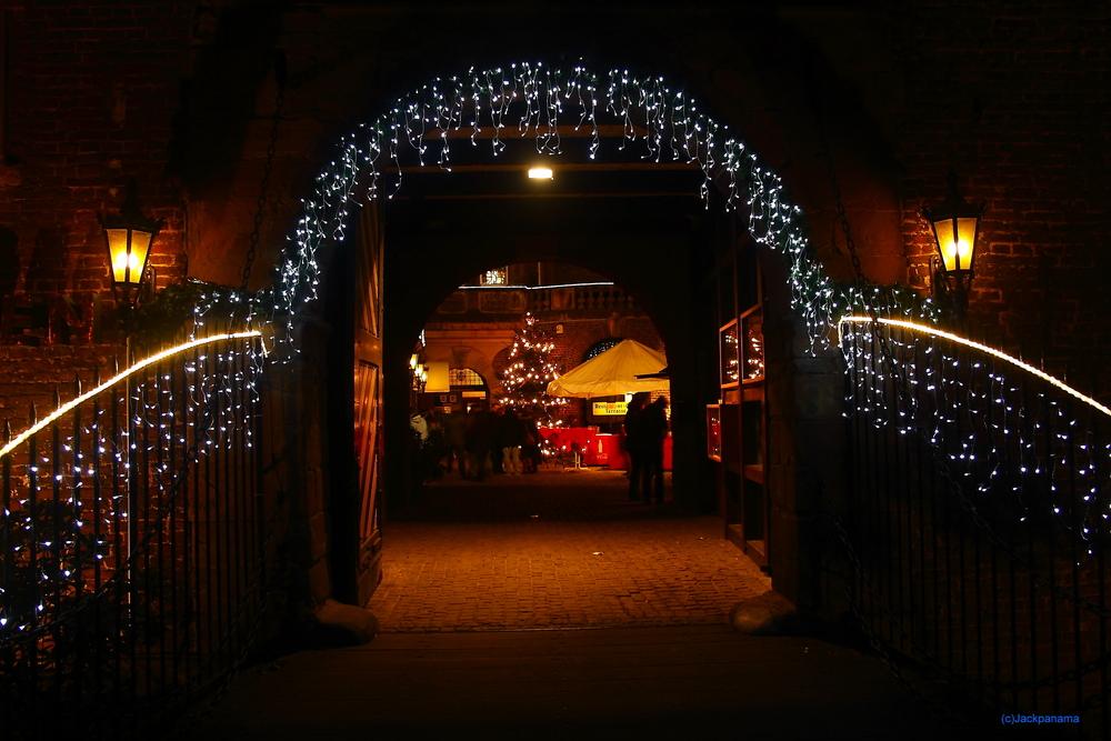 Märchenhafte Weihnacht im Sternenglanz - Stimmungsvoller Weihnachtsmarkt zum. 1. Advent