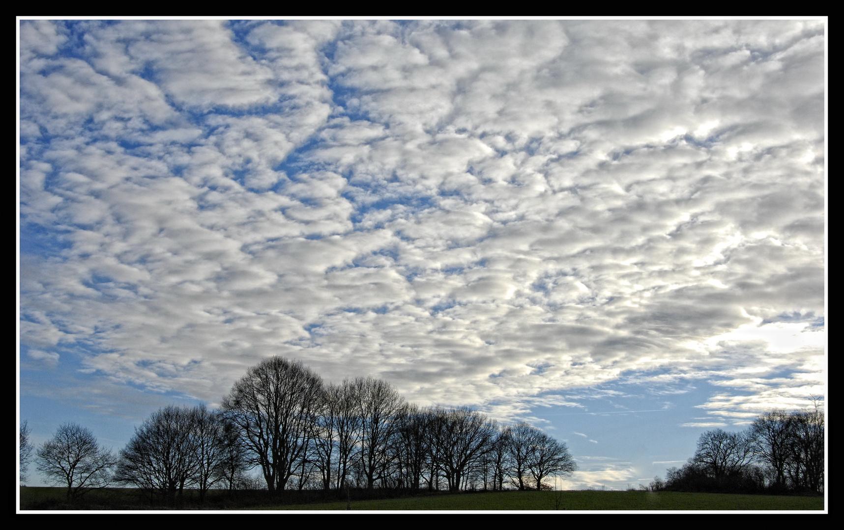März-Himmel