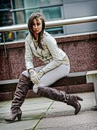Magda in boots