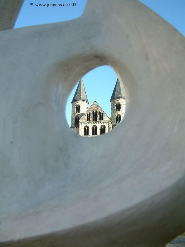 Magdeburg Kloster unser lieben Frauen durch Kunstobjekt