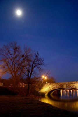 Magdeburg Sternbrücke mit Mond