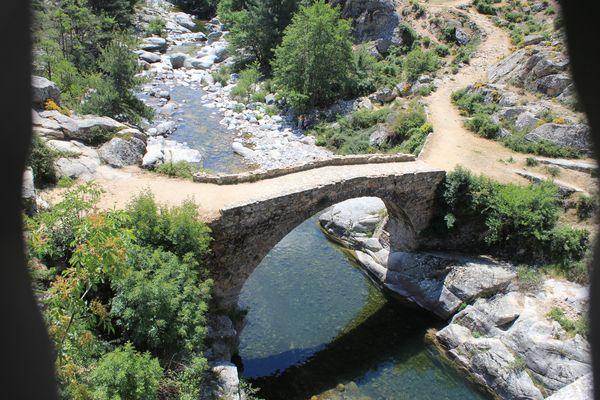 Magnifique pont génois