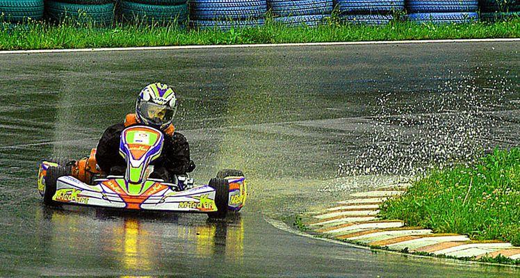 Maikel im Regen