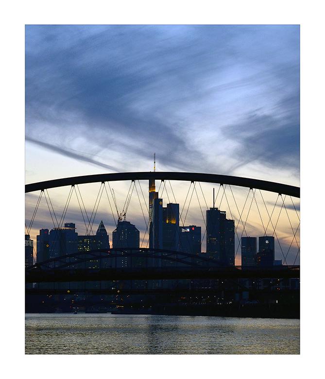 Mainhattan (Der Himmel über Frankfurt)