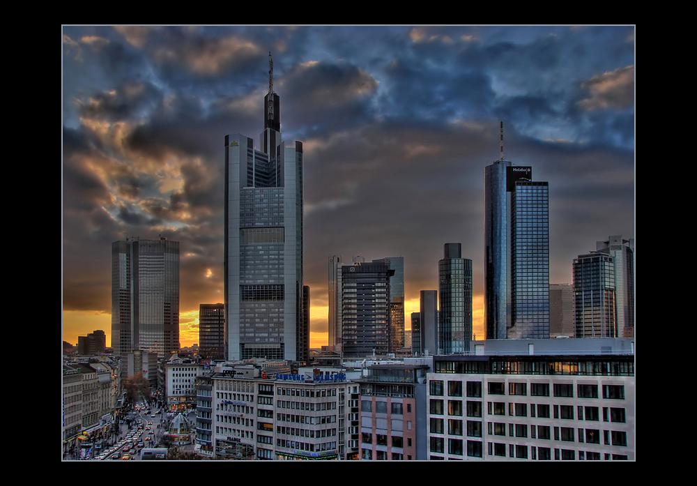 Mainhattan Skyline am Abend