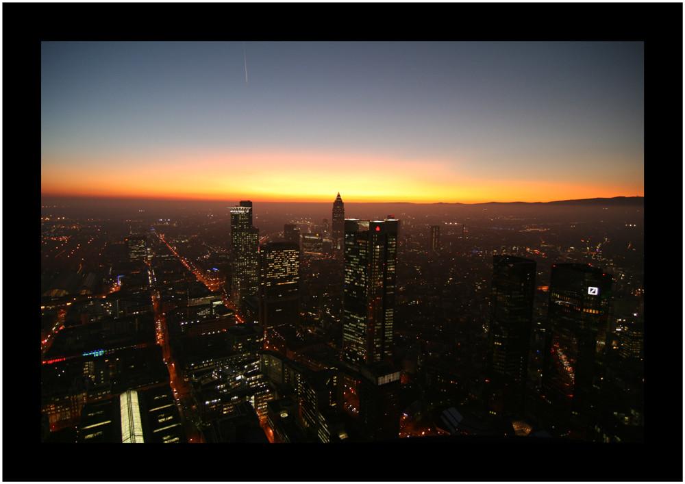 Maintower Sunset - Skyline Frankfurt