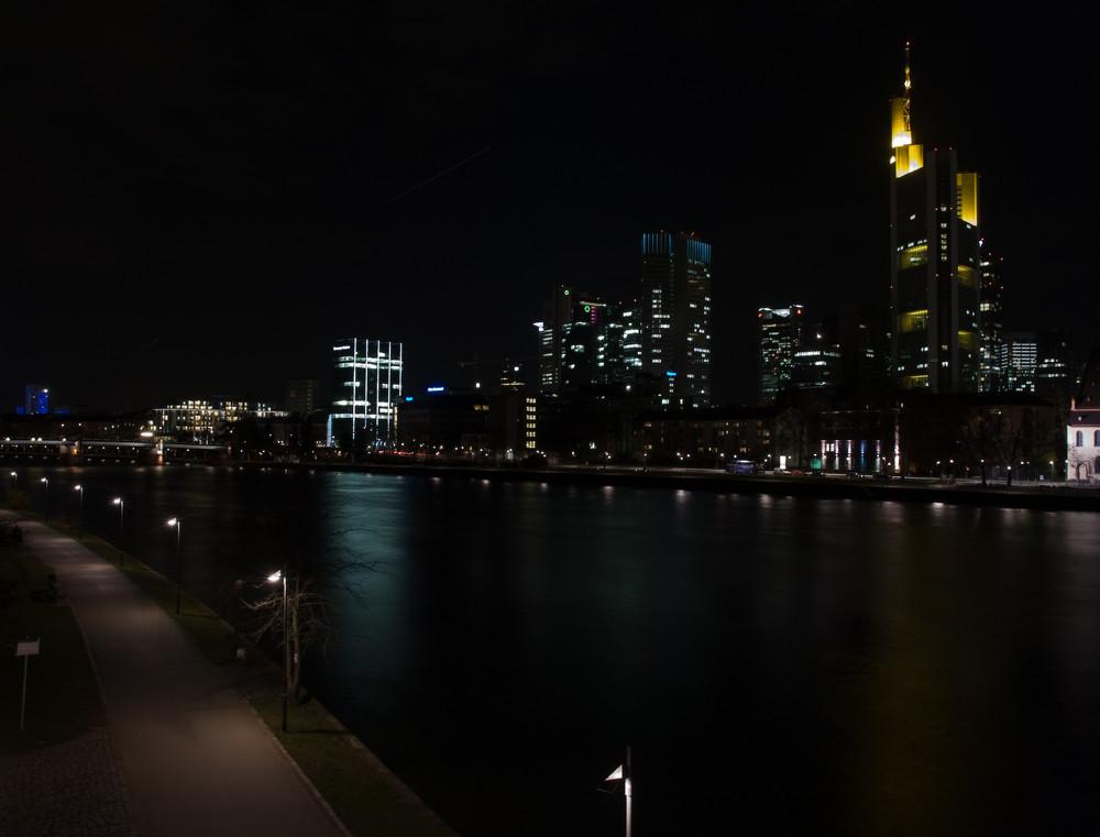Mainufer bei Nacht