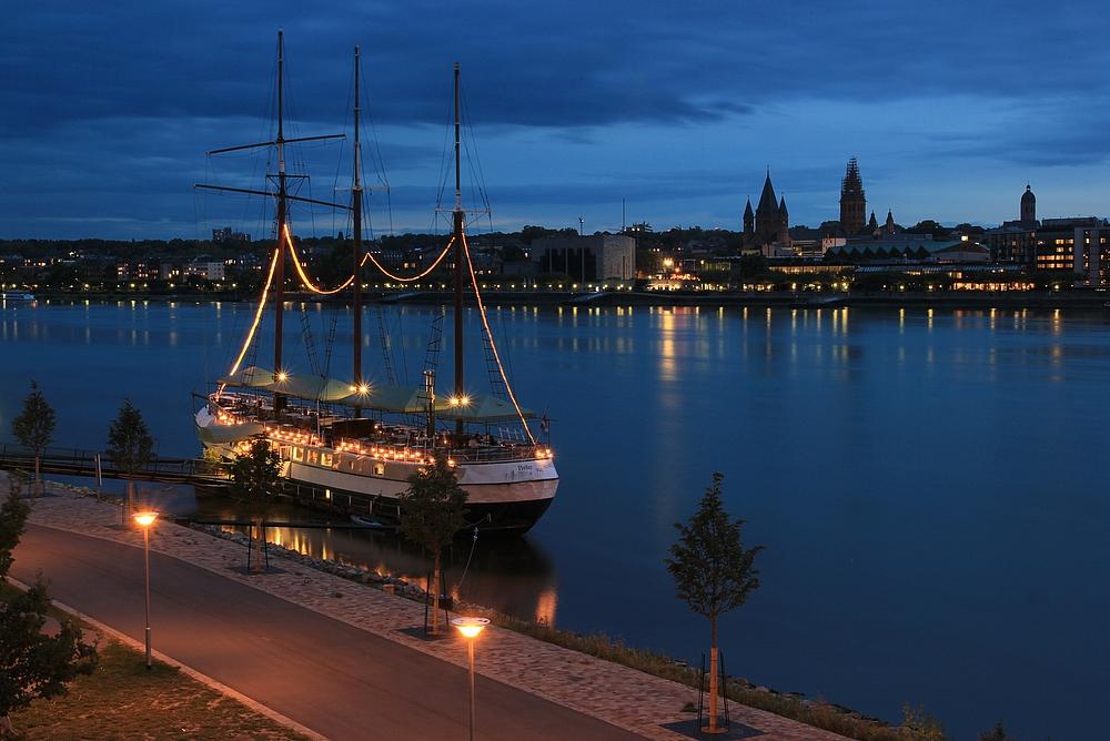 Mainz am Abend