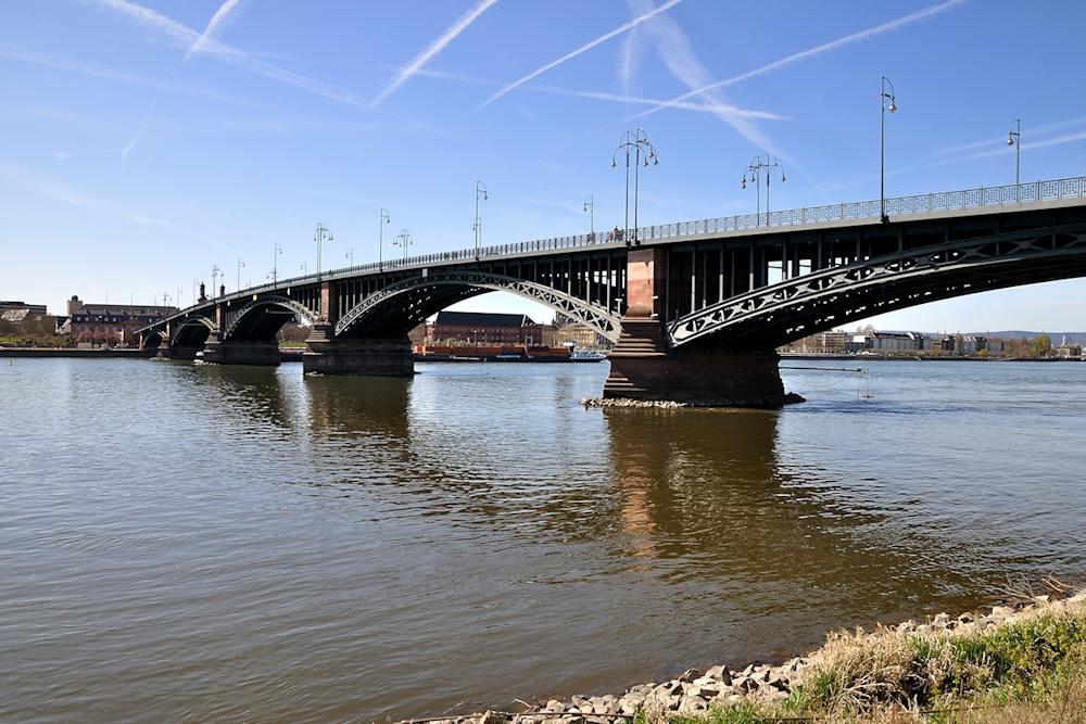 Mainz - Theodor Heuss Brücke