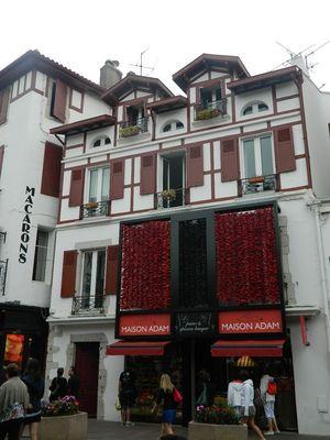maison basque et ses piments