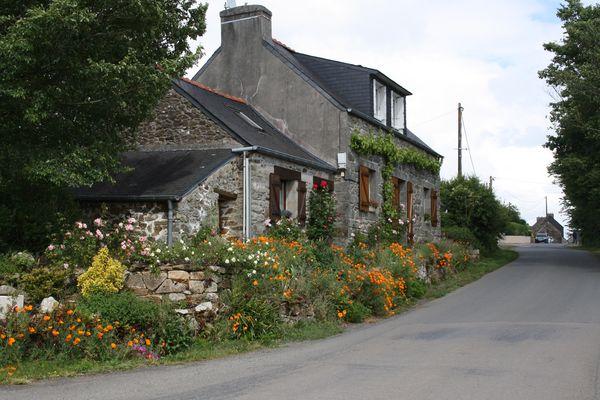 maison de campagne fleurie