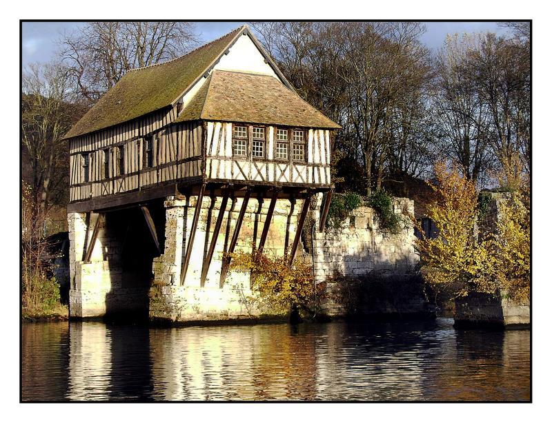 Maison de passage sur la Seine