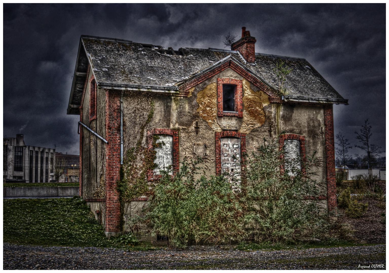 maison d'éclusier abandonnée