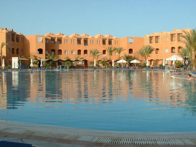Makadi oasis pool !