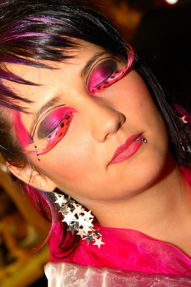 Makeup & Hairstyling